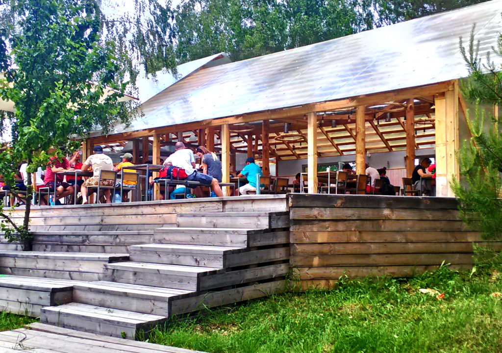 Cafe Ugra - Nikola Lenivets - Day trips from Moscow - moscowplaces.com